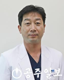 김호 교수.png