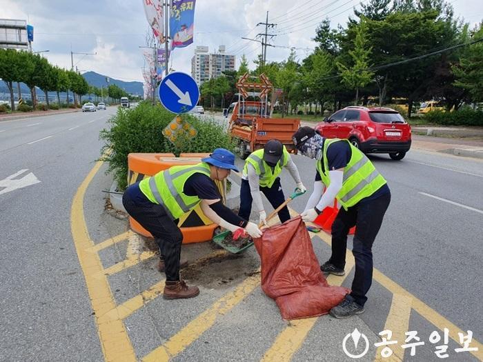 쓰레기 없는 깨끗한 거리 만들기 사업 사진 (1).jpg