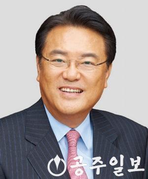 정진석국회의원.jpg