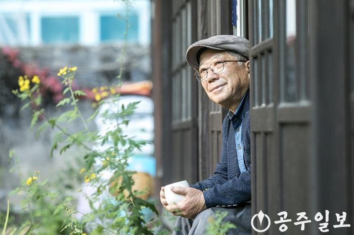 나태주 시인 사진.jpg